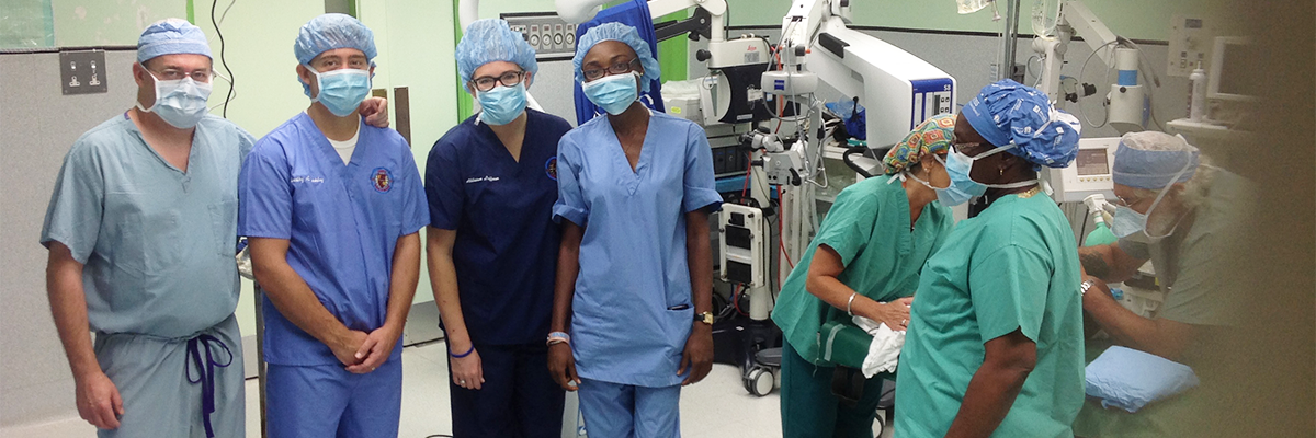 Trinity Students in the OR with WPP Physicians